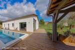 Contemporary house of loft type with swimming-pool in Montignac