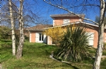 Lège bourg : contemporary house with high potential, beautiful field