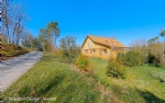 Loft type house, large garage and 4000m² of field in a calm environment