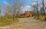 Chalet 2 bedrooms, large mezzanine and wooded field at 10 minutes from commodities