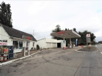 Service station with garage on field of 3 311m²