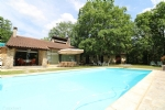Outstanding property surrounded by 5 ha of wood