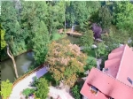 Rare property, in perfect condition, with lake and rivers, on 4-hectare land