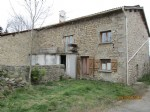 Stone house of 150 m2 renovated on land of 260 m2 and detached land 1100 m2 in a small hamlet