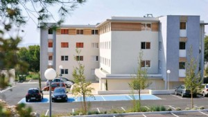 An investment property in a tourist residence with an annual income of 3,664.68 before taxes