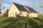 LADORNAC - Single storey house of 140 m², 4 bedrooms, clear view