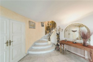 Elegant Art Deco Muchir Townhouse With Terraces, Perpignan