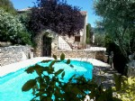 Interesting property in the heart of the Luberon close to the