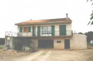 House for sale 3 bedrooms 3800m2 land ,South facing