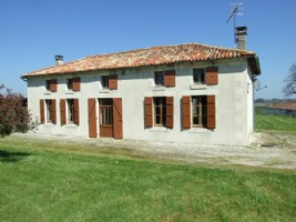 South Charente. Country house. 3 bedrooms. Large barn and grounds.