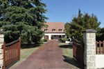5-bedroom house 300m², views and a heated swimming pool 16210 Chalais