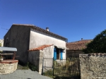 house with 2 rooms, barns and garden, Chef Boutonne