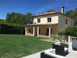 Large house, 6 bedrooms, pool, garden, garage, plus gîte to renovate