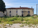 Large former presbytery with appartement, garden, Chef Boutonne