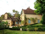 Sarlat - Lovely 4 Bedroom Stone Home with large plot of 1800m2 with Fruit Trees