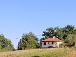 Comfortable house set on a ridge between Maubourguet and Marciac