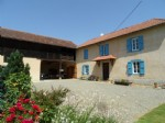 Lovely renovated farmhouse with pool on 8557 m² of land