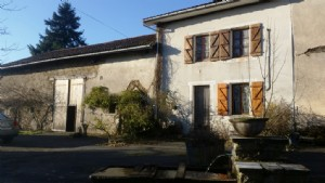 Farmhouse with 2 hectares of adjoining land