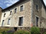 3 maisons en pierres, grange attenante, garage et dépendance