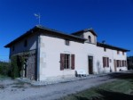 Farmhouse on 4000 m² of land, flat and arbored