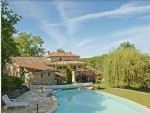 Set in the heart of the lower Lot valley, between vineyards and woods
