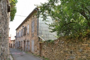 Mansion house pyrenees view to be renovated