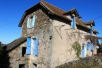 Artist house located in a hamlet on the heights of Aynac