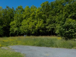 Residential building plot of 1162m² in a village 20 mn from Bergerac airport