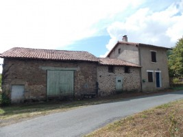 Detached house with barn, garden and view. Ideal holiday home!!
