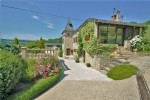 Renovated property with 320 m² of living area, near St Antonin Noble Val. Land: 7.5 hectares