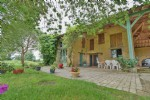 10 minutes from Montauban, this farmhouse of 160 m² has a potential of more than 230 m²