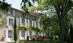 Superb renovated country house on 58 Ha of land