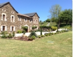 Property of character fully restored, 380 m2 on almost 10 acres.