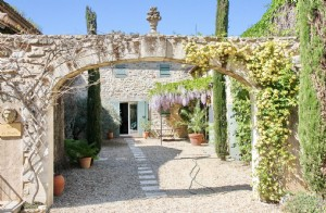 Beautiful Farmhouse and Gite with Pool, Uzes