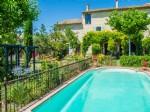 Beau Mas rénové dans un village très recherché de Provence