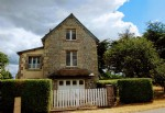 10 mins dinan, brittany : ideal pied à terre ! pretty 2 bedroom house with garde