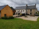 Caulnes: flexible house  et  gite complex with further development potential