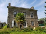 Elegant house in lovely village, great location!