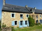 Charming country setting : superb and spacious farmhouse with outbuildings