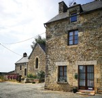 Between jugon lakes and beaches (brittany), charming house with lovely garden fo