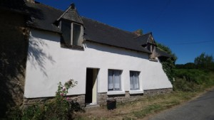 House for sale merdrignac, pretty 3 bed cottage to finish with half an acre.