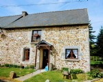 Close to broons, brittany- delightful refurbished 3 bed cottage with outbuilding