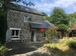 Stone country cottage close to dinan