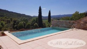 Superb villa, 3 bedrooms, office, turnkey, infinity swimming pool, 2324m² of land, quiet,