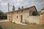 Plibou (79) - Detached 3 bedroom stone house renovated recently with courtyard garden