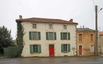 Civray (86) - Town house needs updating but liveable