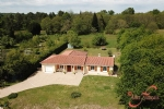 Combiers (Charente) - Immaculate 3 bedroom bungalow