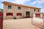 Chabanais (Charente) - Impressive four bedroom barn conversion in a peaceful setting