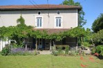 Roussines (Charente) - Great value for money, edge of village property with house, barn
