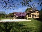 House with guesthouse and pool in a quiet location, Midi-Pyrenees, Gers.